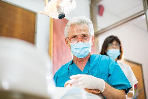 מרכז להשתלות שיניים – מרפאת שיניים חיוכים